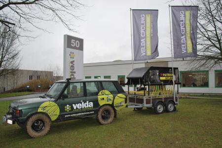Demo met vlaggen Velda Cycling